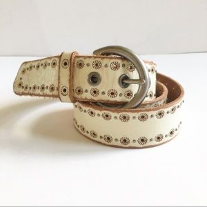 Fossil Leather Ivory Embossed Daisy Belt